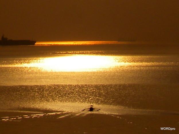 マニラ湾 光る海