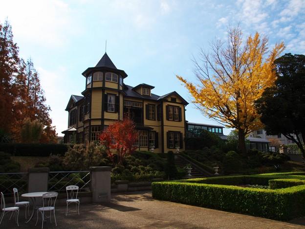初冬の外交官の家