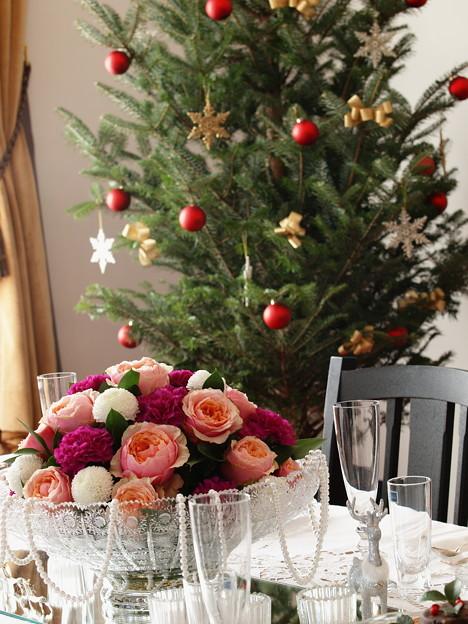 クリスマスツリーを彩る