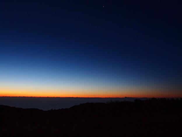 写真: 夜明けのグラデーション *a