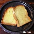 Photos: ソントン シュガートーストを塗って焼いた食パン