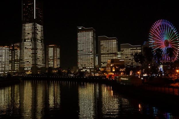 写真: オフィスのライトアップ2014