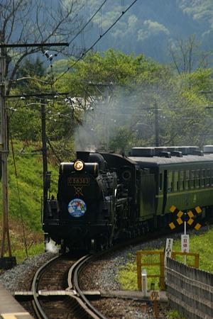 SL蒸気機関車走る!(100504)