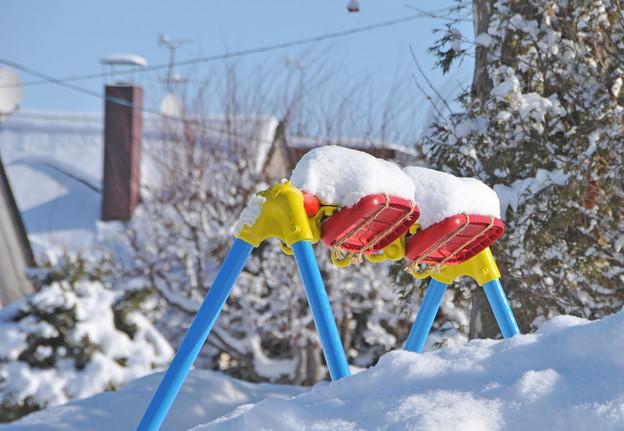 雪のブランコ