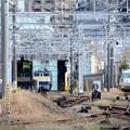写真: 車両センターの奥を臨む