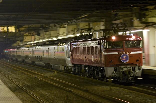 写真: EF81 139号機牽引カシオペア紀行号小山10番通過