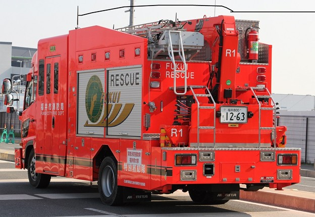 福井市消防局 ll型救助工作車(後部)