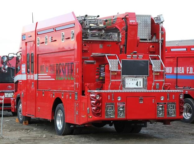 三重県津市消防本部 lll型救助工作車(後部)