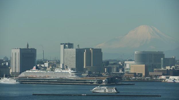 飛鳥IIと富士山