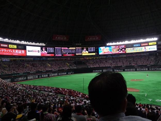 鶴岡が塁に出るも得点ならず残念。でも今から優勝報告会!