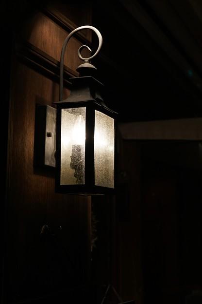 写真: 路地の灯り