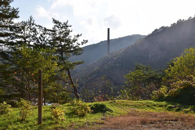写真: 尾去沢鉱山 大煙突
