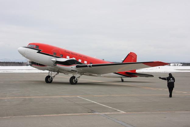 BT-67 C-FBKB depart to KIX