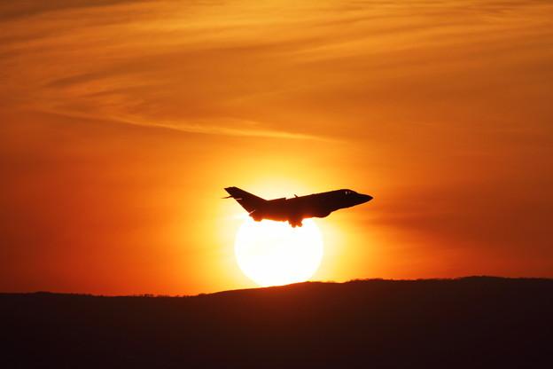 U-125Aと夕陽