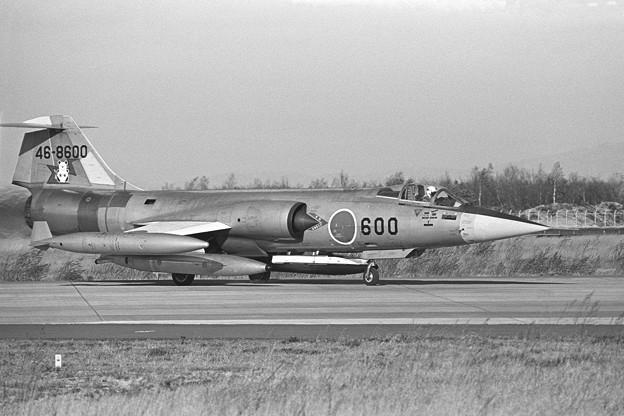 F-104J 46-8600 203sq 1979oct(1)