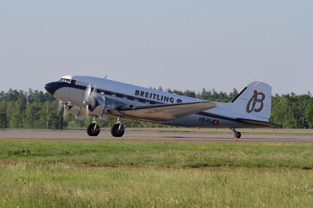 Douglas DC-3 Breitling in RJCB (4)