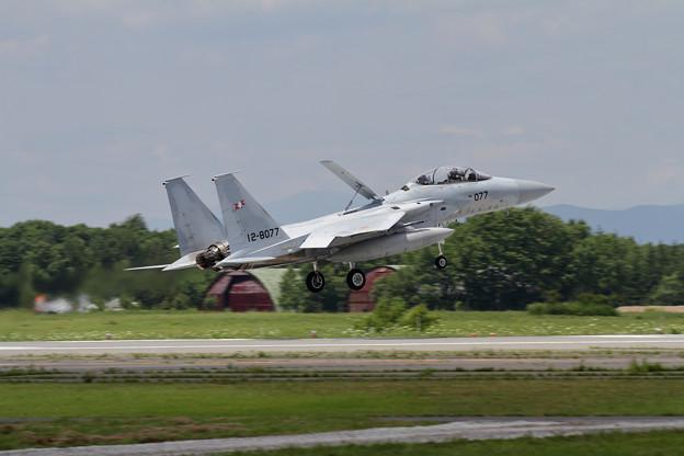 F-15DJ 077 203sq landing