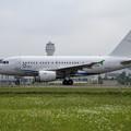 写真: Airbus ACJ318 B-6936