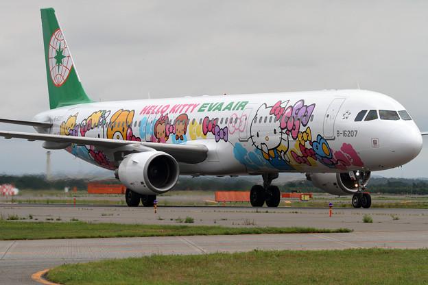 A321 EVA HelloKitty なかよしJet B-16207