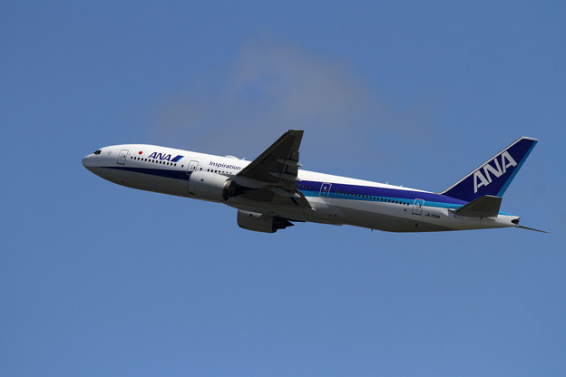 B777-200ER JA709A ANA