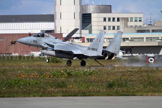 F-15 Hook Landing TRG (2)