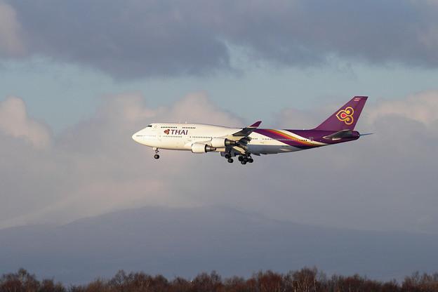 B747 THA670 approach