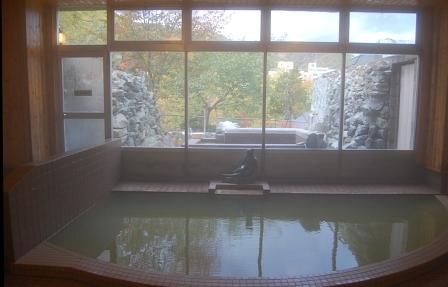 窓外に露天風呂