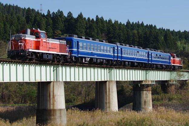 DE10 1651+12系高崎車3B+DE10 1180 陸羽東線全線開通100周年号