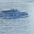 写真: 軍艦島観光の船