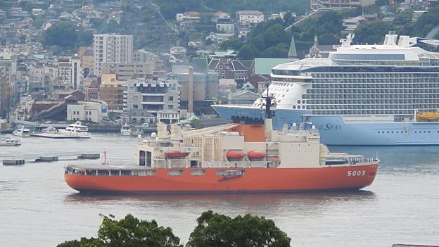 南極観測船しらせ出港 6