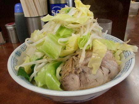 小ラーメン650円、野菜
