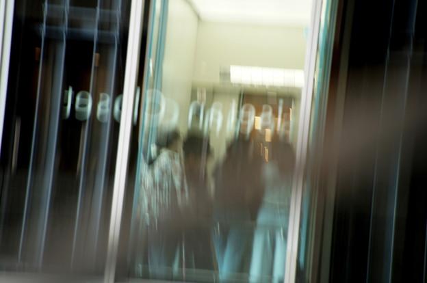 写真: Through the Glass