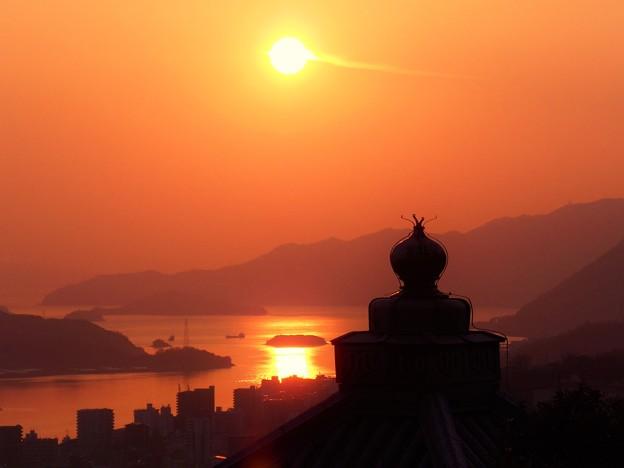 大寒の奥ノ院峯の薬師の夕陽