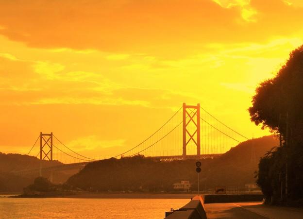 角を曲がると@因島大橋が姿を現した@しまなみ海道