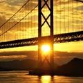 写真: 因島大橋の燃える夕陽@夏のしまなみ海道@布刈の瀬戸
