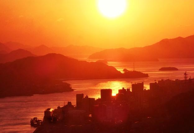 冬至前の瀬戸の夕陽@瑠璃山展望台