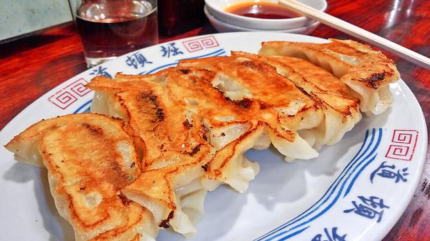 写真: 道頓堀 ( 成増 = ラーメン )  焼き餃子