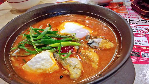 ガスト ( 成増店 )  広島産牡蠣と寄せ豆腐の辛口チゲ