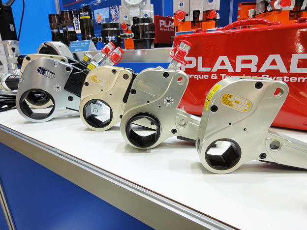 PLARAD 油圧トルクレンチ センターホール型