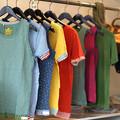 Photos: カラフルなTシャツ