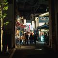 写真: 夜の街