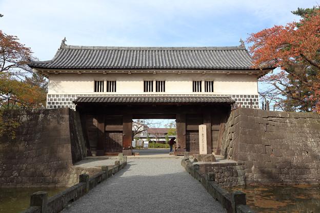 Photos: 新発田城本丸表門
