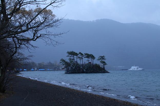 恵比寿大黒島_湖 D5781