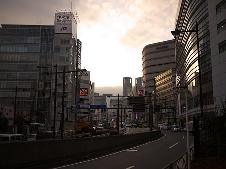 新宿の夕暮れ