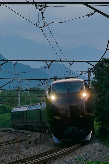 E655系と甲斐駒ヶ岳