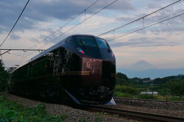 E655系 和 と富士山