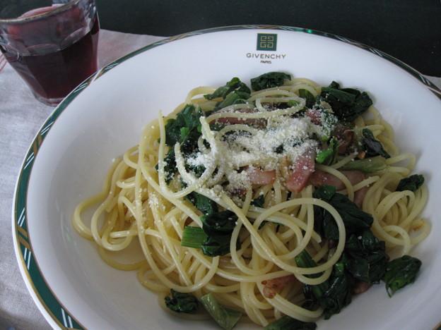 写真: ほうれん草とベーコンのスパゲッティ