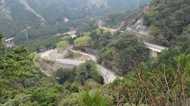鈴鹿峠(三重県亀山市~滋賀県甲賀市)鏡岩より