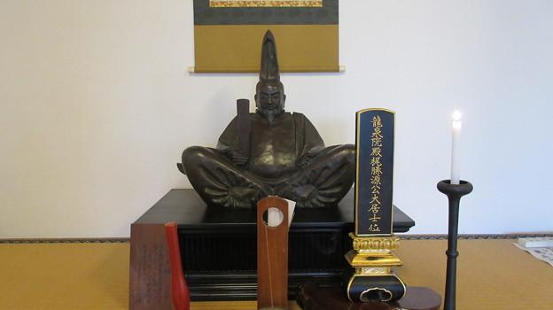 高源寺(清水区)梶原景時公位牌・像