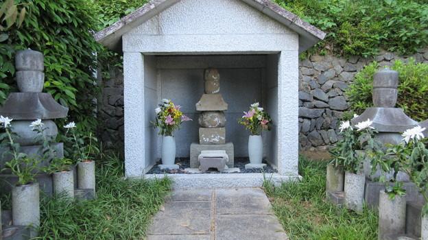 臨済寺(葵区)今川氏輝墓